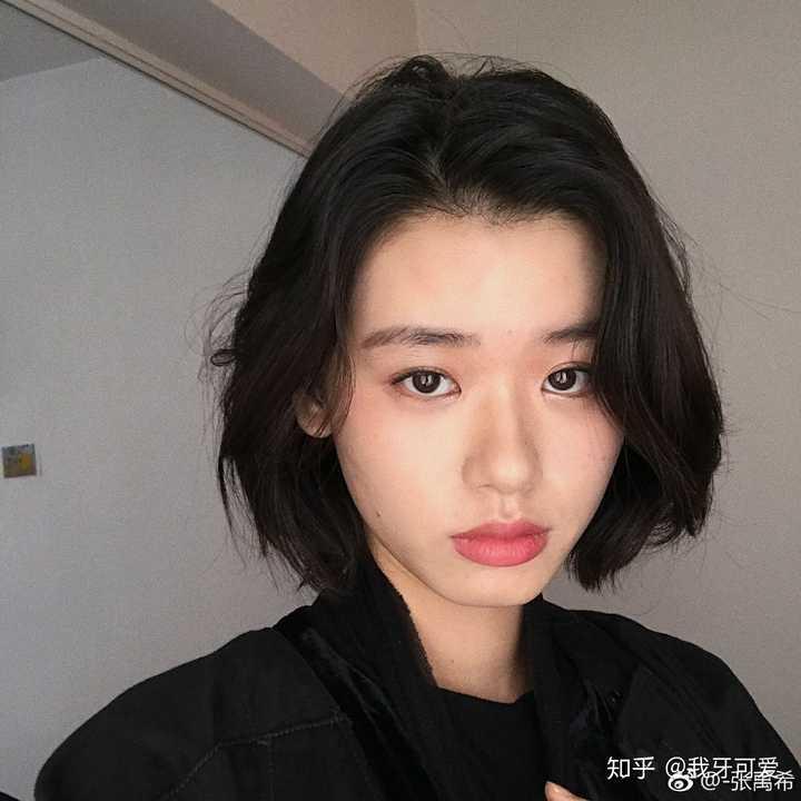 跪求好看的女学生短发发型?图片
