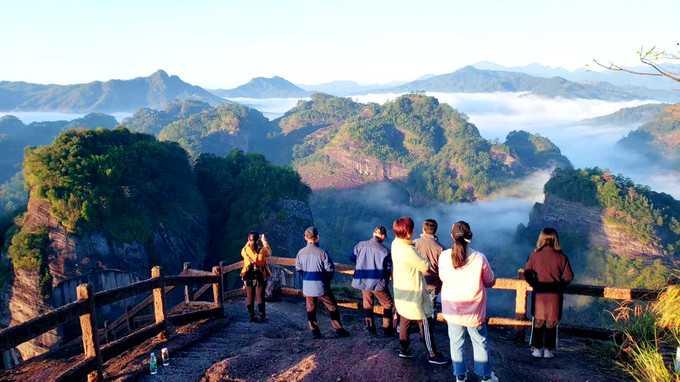 武夷山风景区以及武夷山市有啥值得去的地方吗?