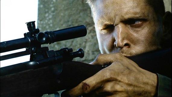 《拯救大兵瑞恩》狙击手杰克森使用的一只加装了M73B1狙击镜削掉了瞄准镜的M1903A4春田狙击步枪