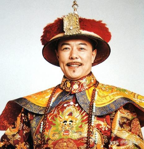 张铁林的代表作很多,最为观众所熟知的角色就是1998年在《还珠格格》