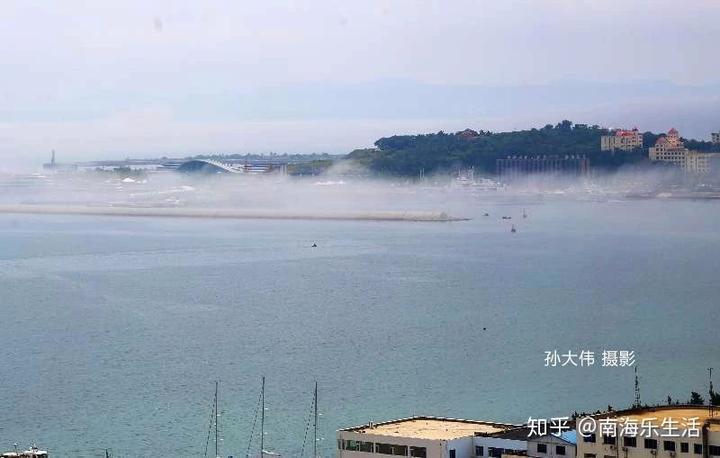 碧海连天云雾环绕平流雾让威海如遮青纱平添了一份特的美丽与