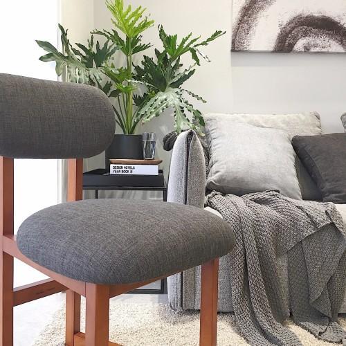 """""""效果很不错,与我灰色的沙发很搭,椅子坐垫的填充物回弹也可以.""""图片"""