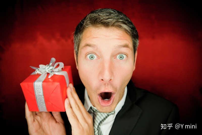 男生一般会喜欢什么礼物?相关的图片