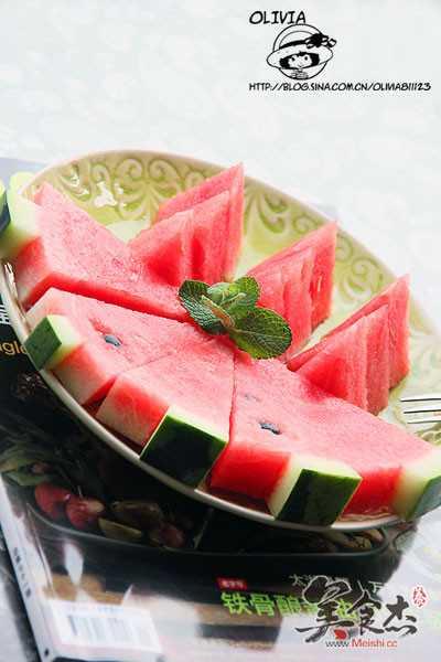 怎样切出漂亮的西瓜?