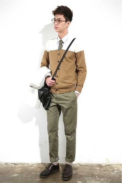 白布鞋_对于高中男生,有哪些服装品牌可以推荐? - 知乎