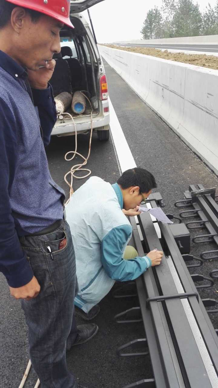 公路桥梁CFZED80、160型伸缩缝 模数式伸缩缝 梳齿板伸缩缝