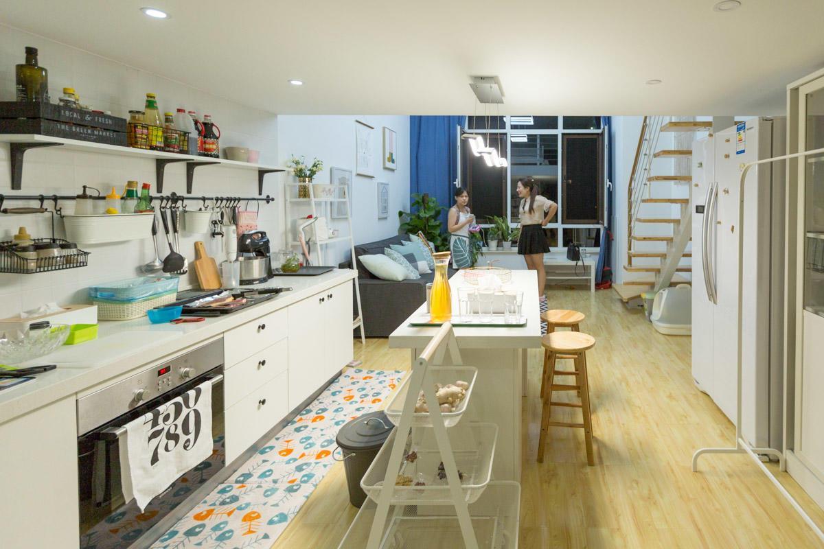 她想把家里一半的空间都做成厨房,尽管厨房已经够大了