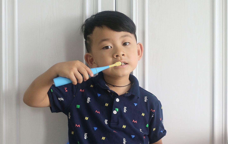 让孩子好好刷牙也爱上刷牙——罗曼×熊出没联名款儿童电动牙刷体验