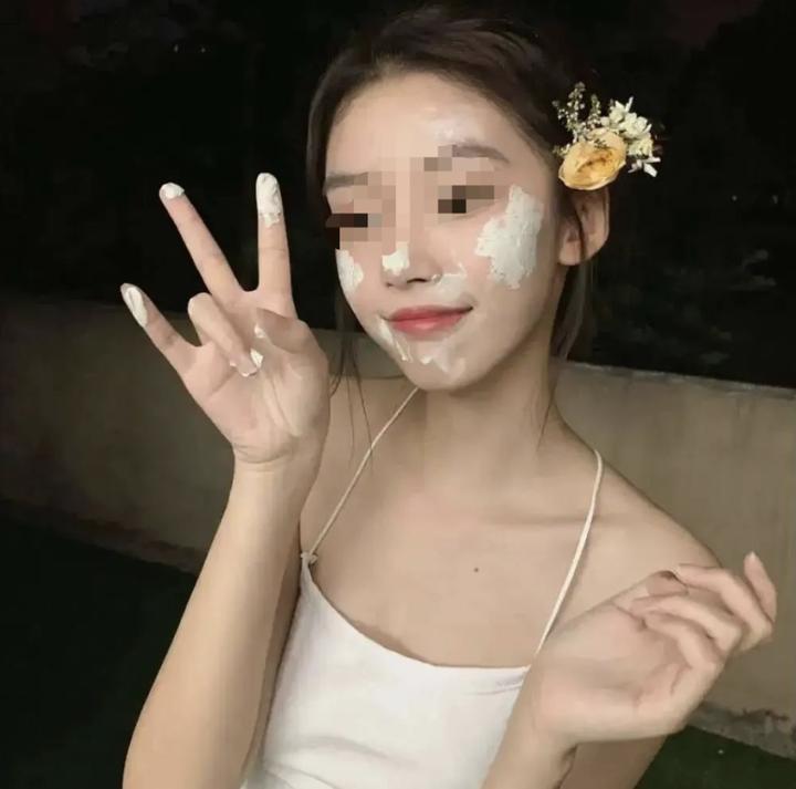 是谁在侮辱中国女孩的「性感」审美?16