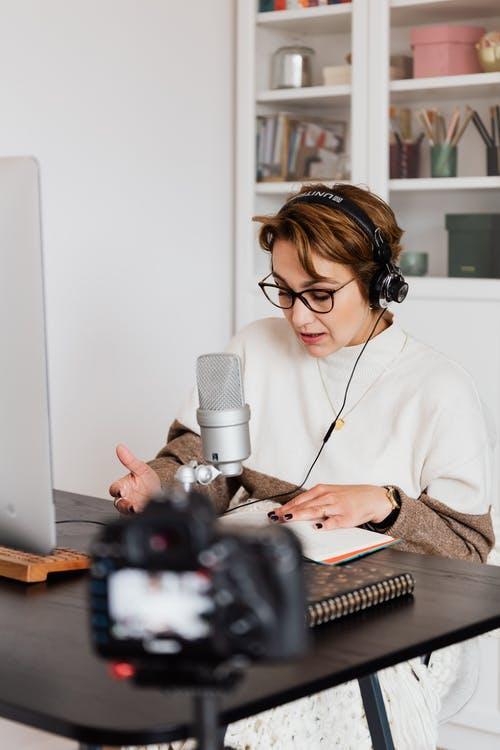 浅谈自媒体短视频配音、广告配音等行业的发展前景,推荐一款文字转语音神器