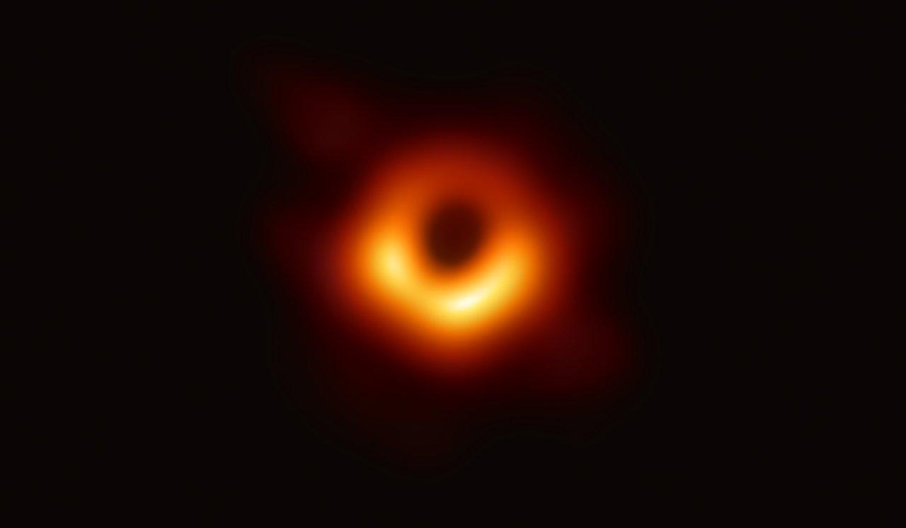 人类首张黑洞照片发布,可能会有什么重要影响?