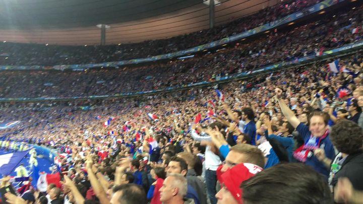 不跳不是法国人,啊累啊累啊累,世界杯的法国球迷究竟在唱什么?