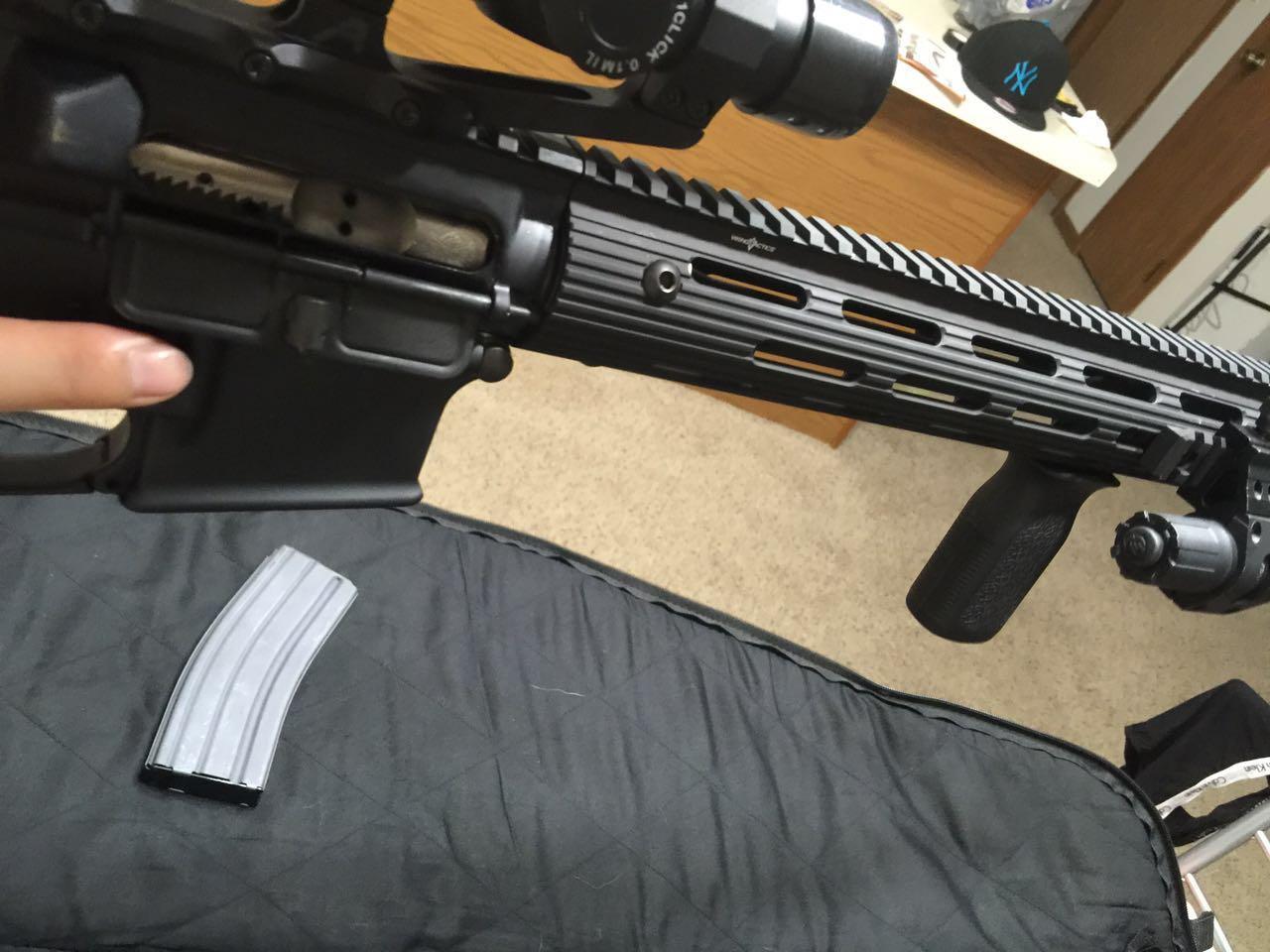 3 8 Bolt >> M4A1步枪的正确换弹夹和上膛方式? - 知乎
