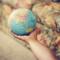 假装在环游世界