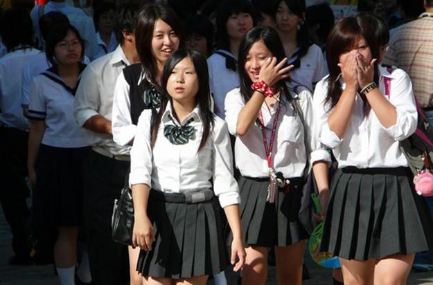 日本人、韩国人、中国人在长相特征上有哪些不