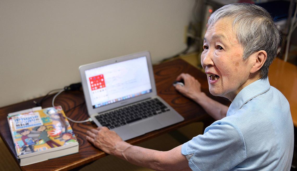 82 岁老奶奶告诉你:什么时候学编程都不晚!