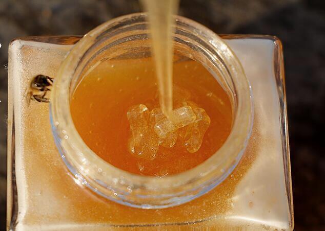 使用蜂蜜的最佳方式是什么?如何喝蜂蜜是正确的?