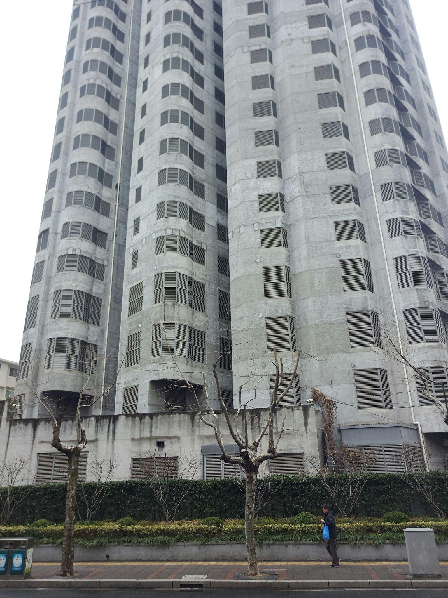上海市静安区胶州路公寓大楼现状?