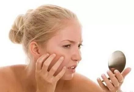 可以面临过敏用蜂蜜洗脸吗?皮肤过敏会涂蜂蜜蛋吗?