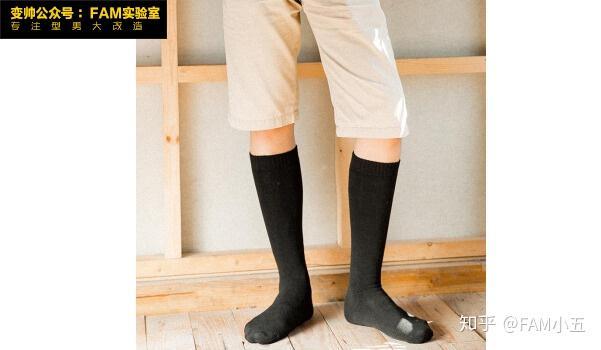 jk配白色袜子_为什么黑布鞋总是搭配白袜子,但是黑皮鞋搭配白袜子是搭配 ...