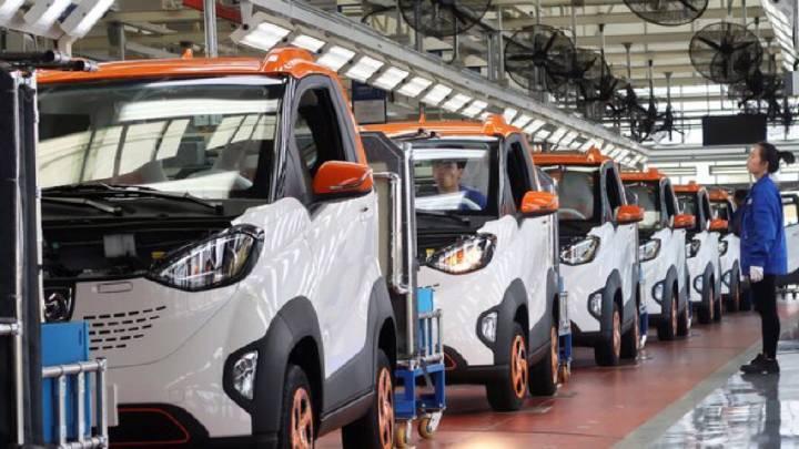 """外媒文章11月17日文章""""中美电动汽车政策迥异,车企拥抱中国市场"""""""