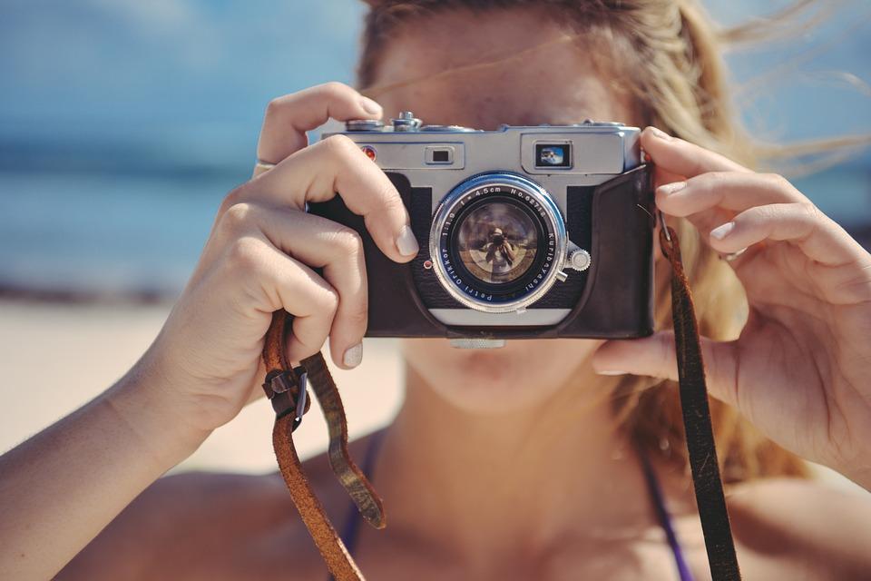 """这是只给""""女孩子""""看的相机购买指南"""