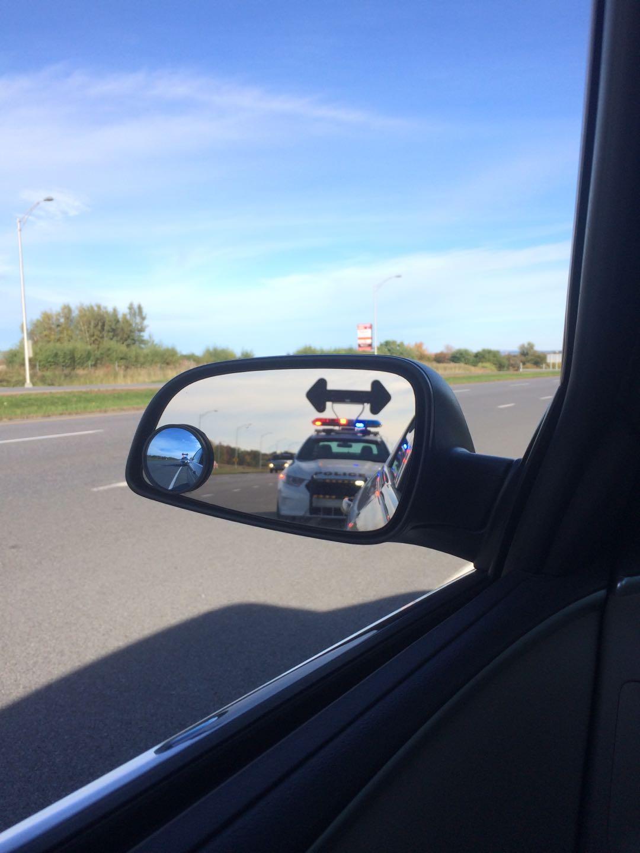 在美国开车被警察pull over是什么体验?