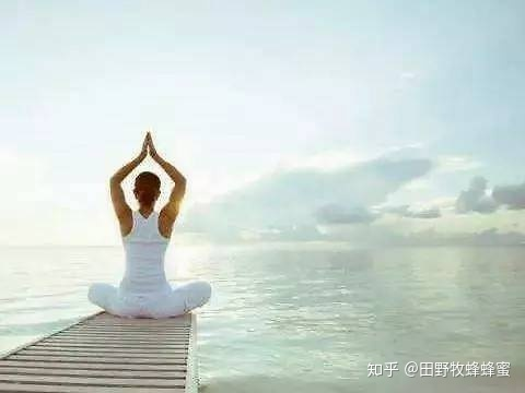 你可以在运动期间喝蜂蜜水吗?刚刚完成的瑜伽怎么样?