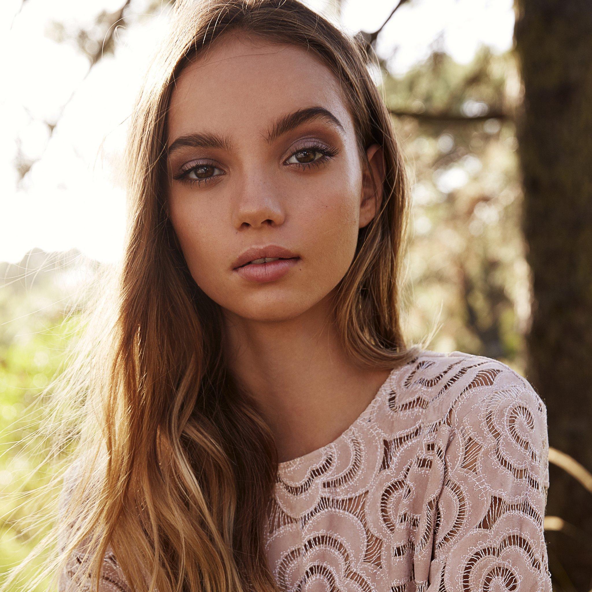 Aleksandra bortich nude in 039about love039 on scandalplanetcom - 2 3