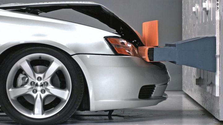 汽车保险杠什么塑料_为什么汽车保险杠都是塑料的,单是为了减轻重量吗? - 知乎