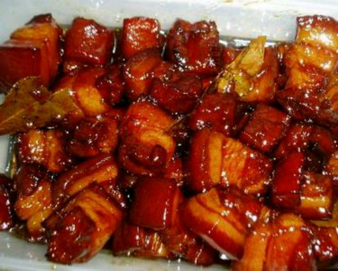 用蜂蜜来给予肉颜色,烧烤和蜂蜜好处