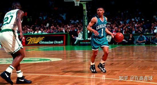 身高1米60,生涯14年,NBA历史最矮的球员,是如何打了14年
