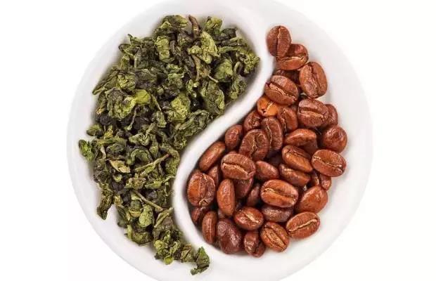 茶的咖啡因含量远超咖啡,但为啥不如咖啡提神?