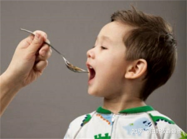 蜂王浆有多少孩子可以喝?皇家孩子可以吃吗?
