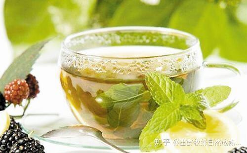 你能把蜂蜜放在吗?绿茶加上蜂蜜?
