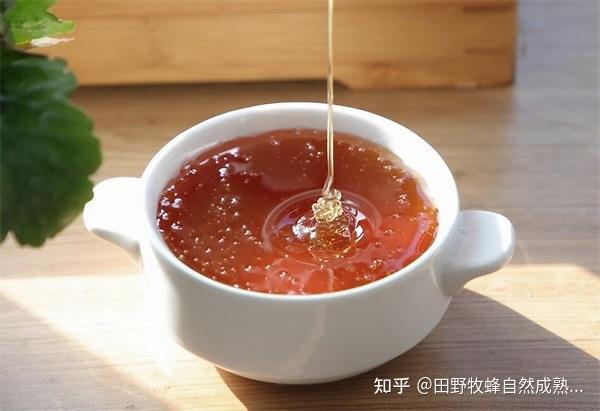 蜂蜜的四名或五岁女性饮料是什么?女人喝枣,是好吗?