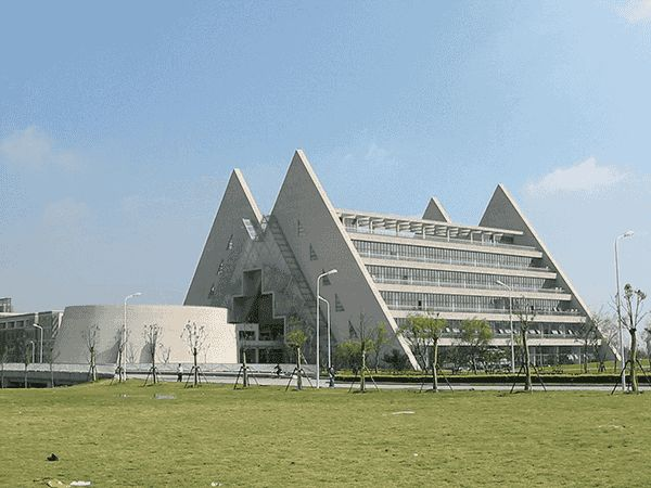 上海市普陀区教育局_去上海工程技术大学就读是怎样一种体验? - 知乎