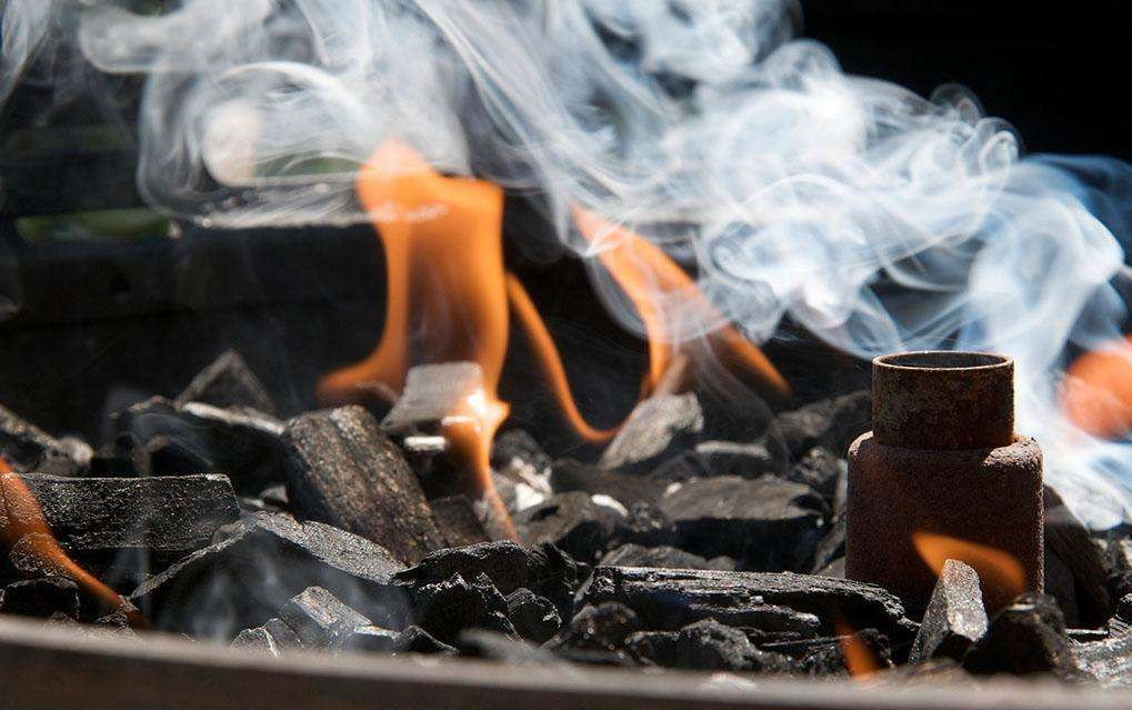 木炭烧烤炉被禁?燃气烧烤炉必是户外主流烧烤炉