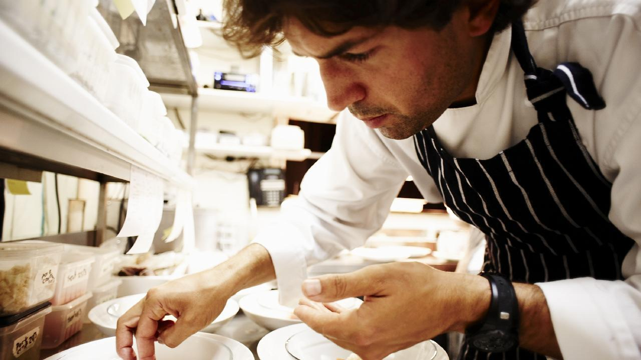 从无人问津的小食堂到全球第32名,墨尔本这位差点破产的主厨告诉你什么叫逆袭